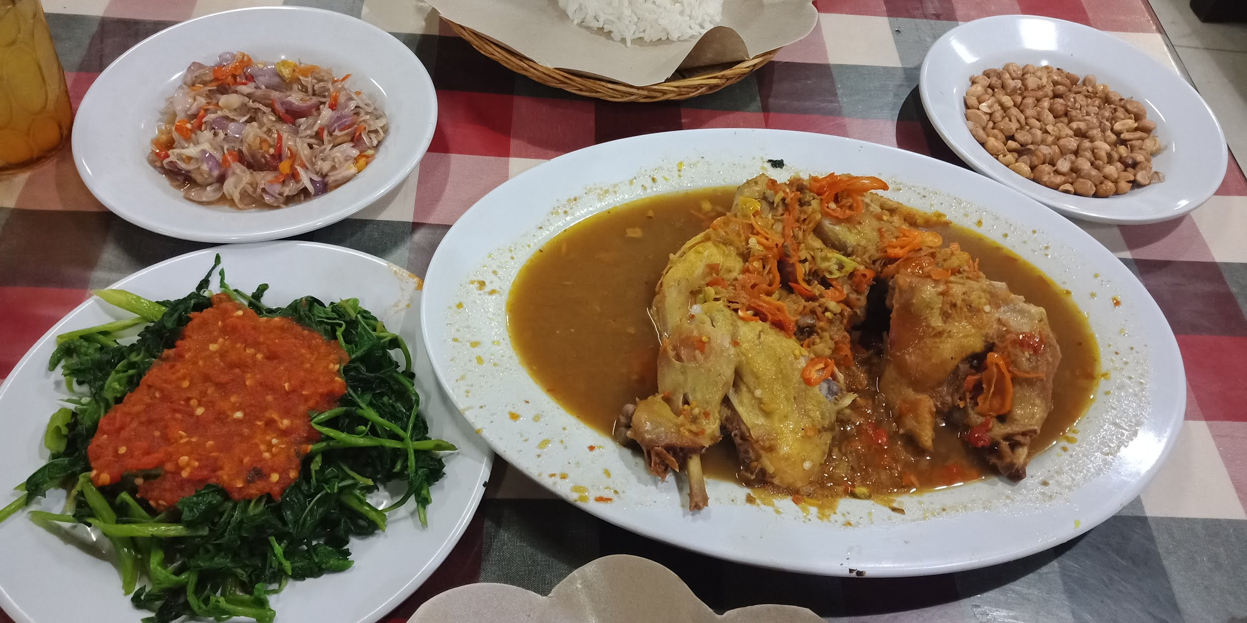 rekomendasi ayam betutu di Kuta Bali