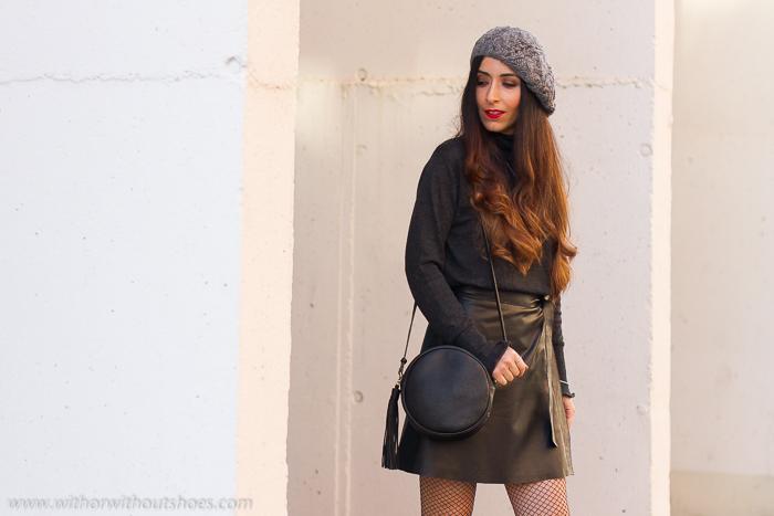 Influencer Valencia Look urban chic estiloso comodo falda de piel