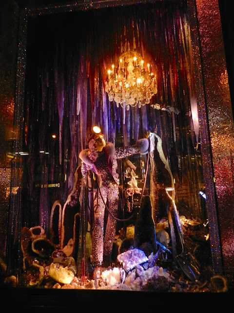 bergdorf goodman nyc christmas display window