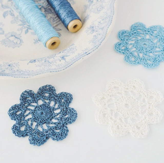 Linen crochet coasters by Ivestown