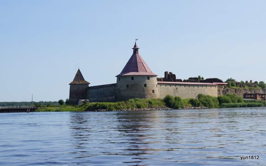 Крепость на острове Ореховый. Вид с Невы