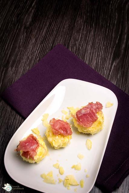 Kartoffelchips Frischkäse-Bällchen mit Schinken