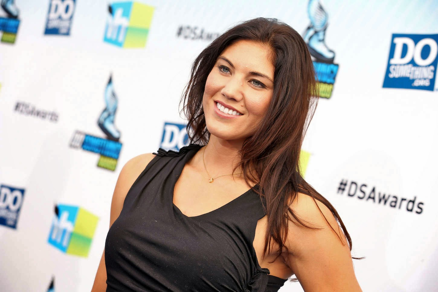 Cleavage Hope Solo nudes (24 photos), Sexy, Cleavage, Instagram, butt 2018
