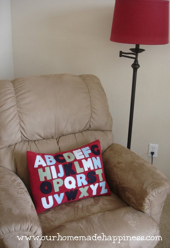Our Homemade Happiness: Homemade Alphabet Pillow