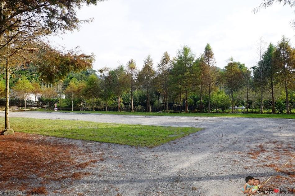 日月松林露營區