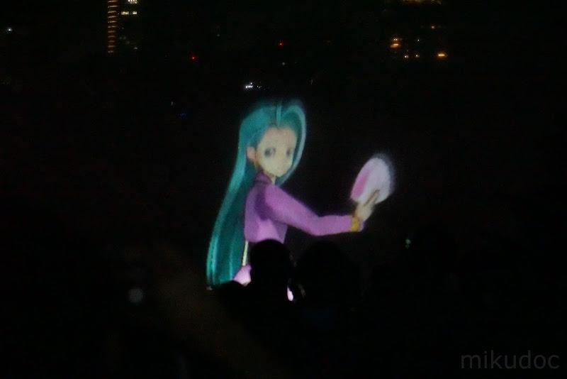 ジュリアナファッション風初音ミク 刻をあそぶ時空の旅 ~初音ミク Links Tokyo150~より
