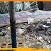 हाट परिसर में कचरे का अम्बार, कचरे पर दूकान लगाकर सामान बेच रहे दुकानदार