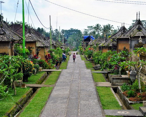 Tinuku.com Travel Penglipuran village is indigenous layout, architecture and law of Balinese genuine culture still runs in scene