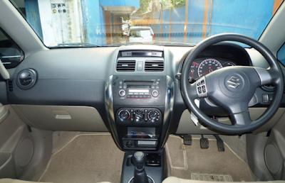 Interior Suzuki Neo Baleno