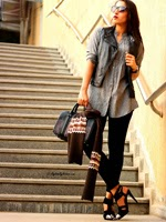 http://www.stylishbynature.com/2015/01/how-to-wear-monochromatic-grey.html