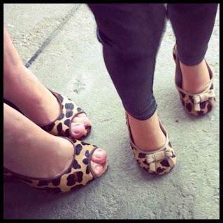 Gambar Sepatu Couple Ibu dan Anak 200066
