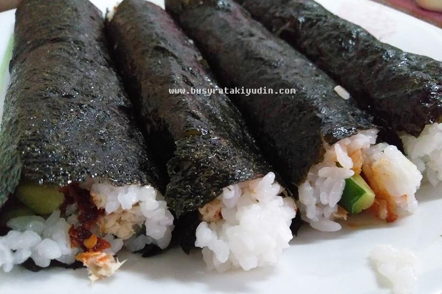 resepi sushi roll, versi tekak melayu, sushi roll, resepi sushi, pedas, seaweed, mayonis,