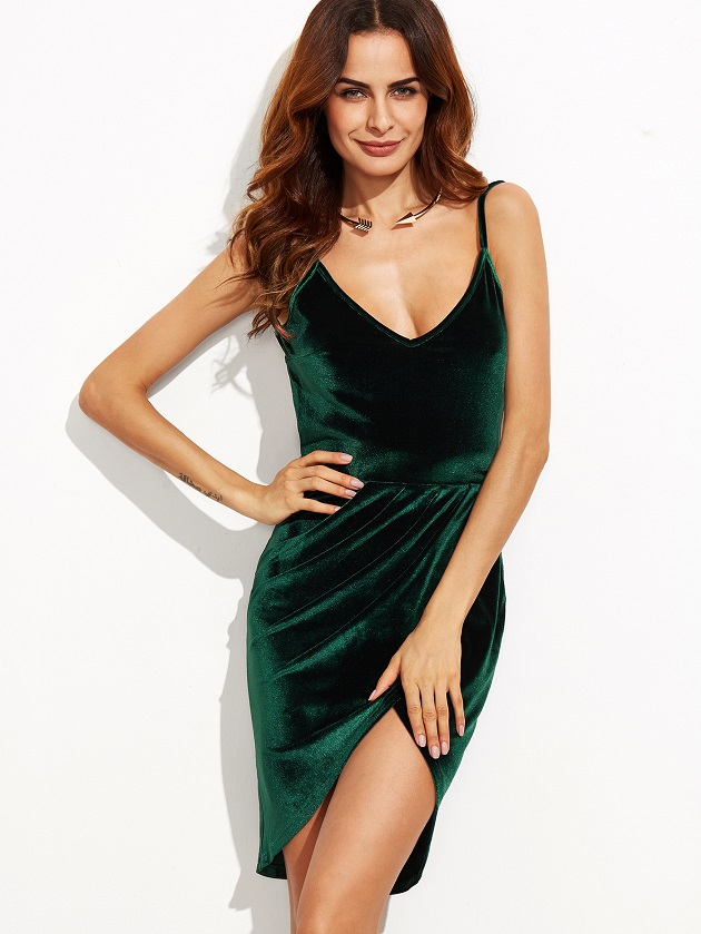 http://us.shein.com/Dark-Green-Backless-Ruched-Velvet-Wrap-Cami-Dress-p-314465-cat-1727.html?utm_source=libertadgreen.blogspot.com&utm_medium=blogger&url_from=libertadgreen