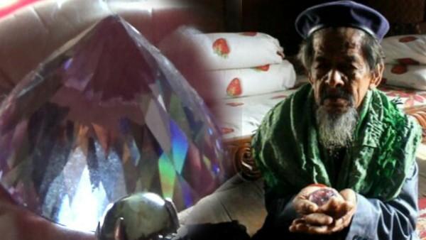 Kakek Qarsing, Pemilik Berlian Senilai 7 Triliun Rupiah