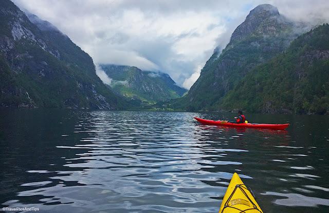 Expédition kayak dans le fjord Hardenger, Norvège