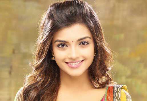 Vallavanukku pullum aayudham tamil full movie download free