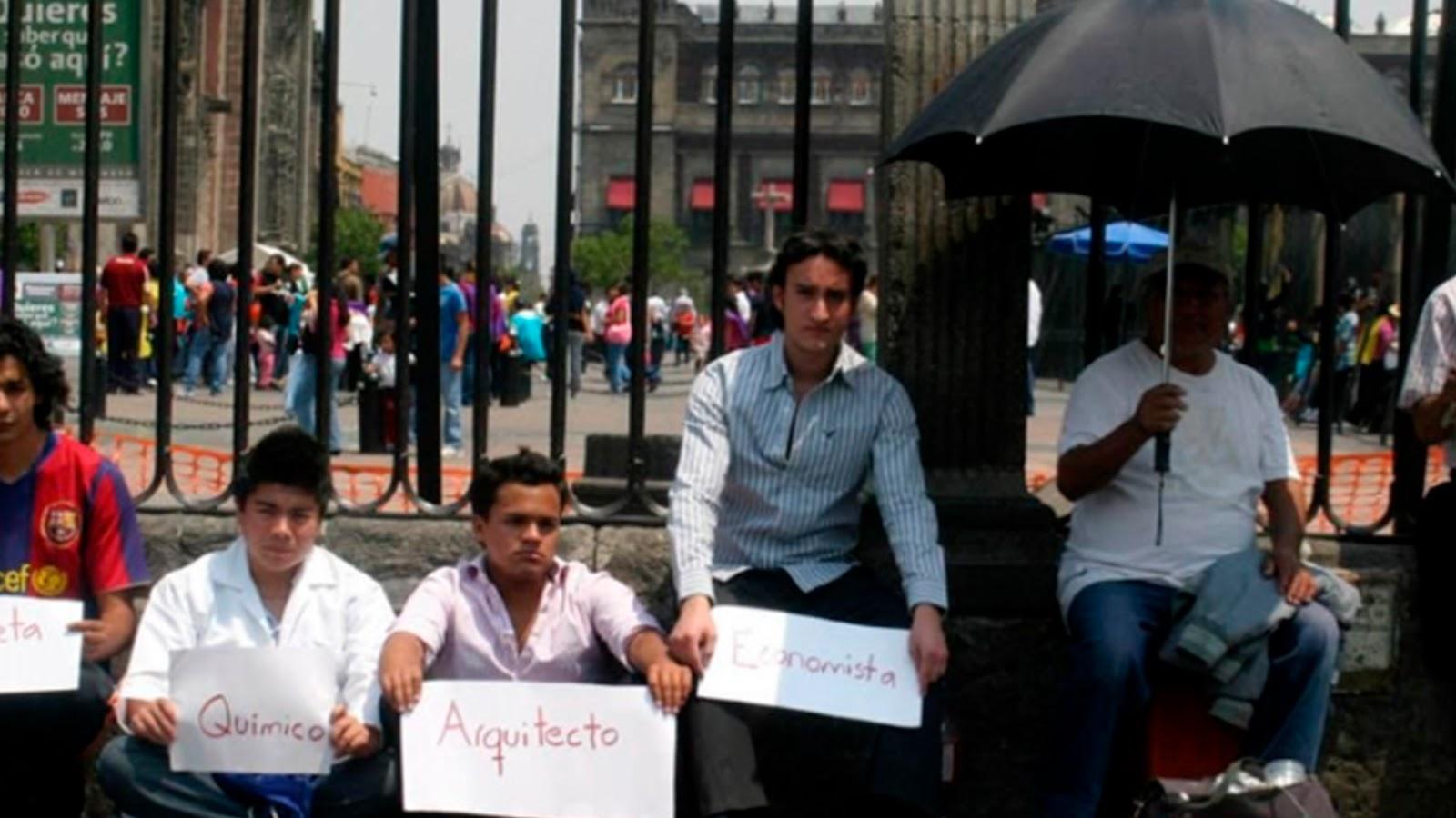 Resultado de imagen de mexicanos, con estudios de licenciatura y hasta maestría