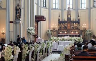 http://www.teluklove.com/2017/04/daya-tarik-objek-wisata-gereja-katedral.html