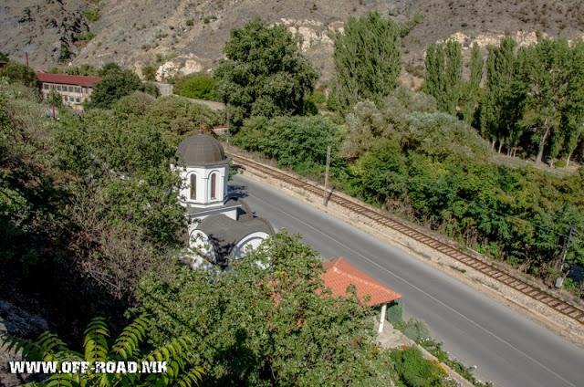Црква Св. Петка - Велес - поглед од горе со реката Вардар