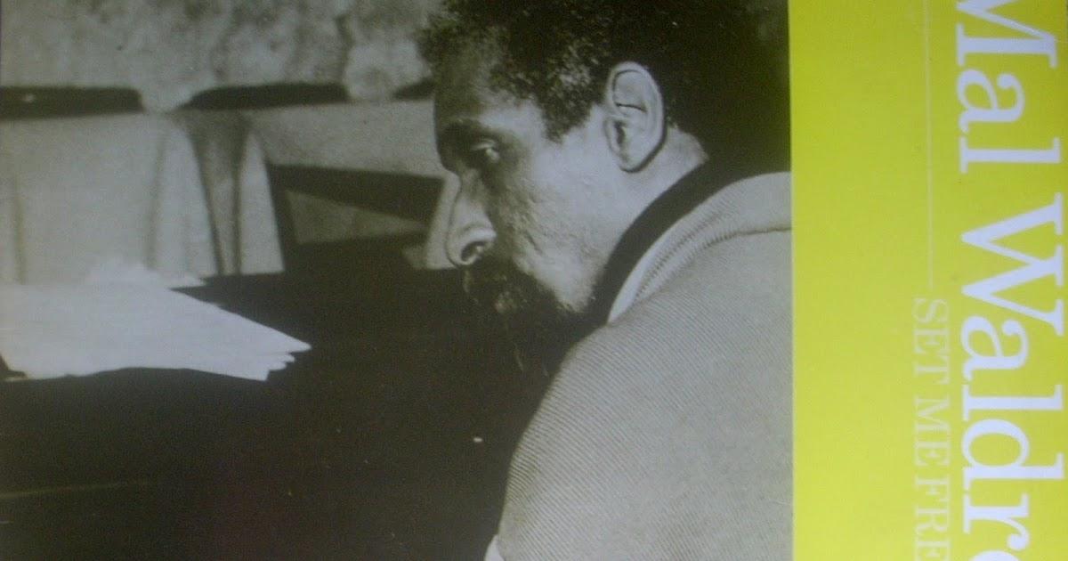 Max Waldron tocando el piano en 1973.