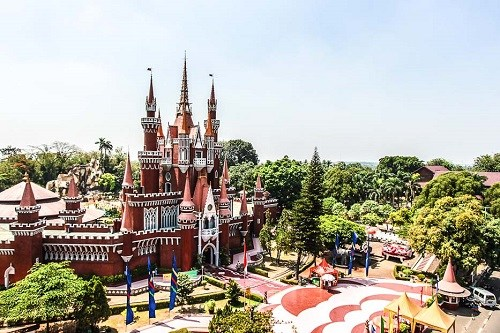 Wisata Keluarga Taman Mini Indonesia Indah, TMII - Jakarta