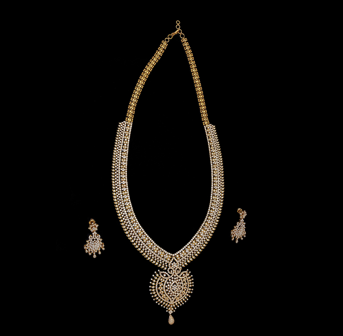 Diamonds Jewellery: Indiangoldesigns.com: Indian Diamond Bridal Necklace Sets