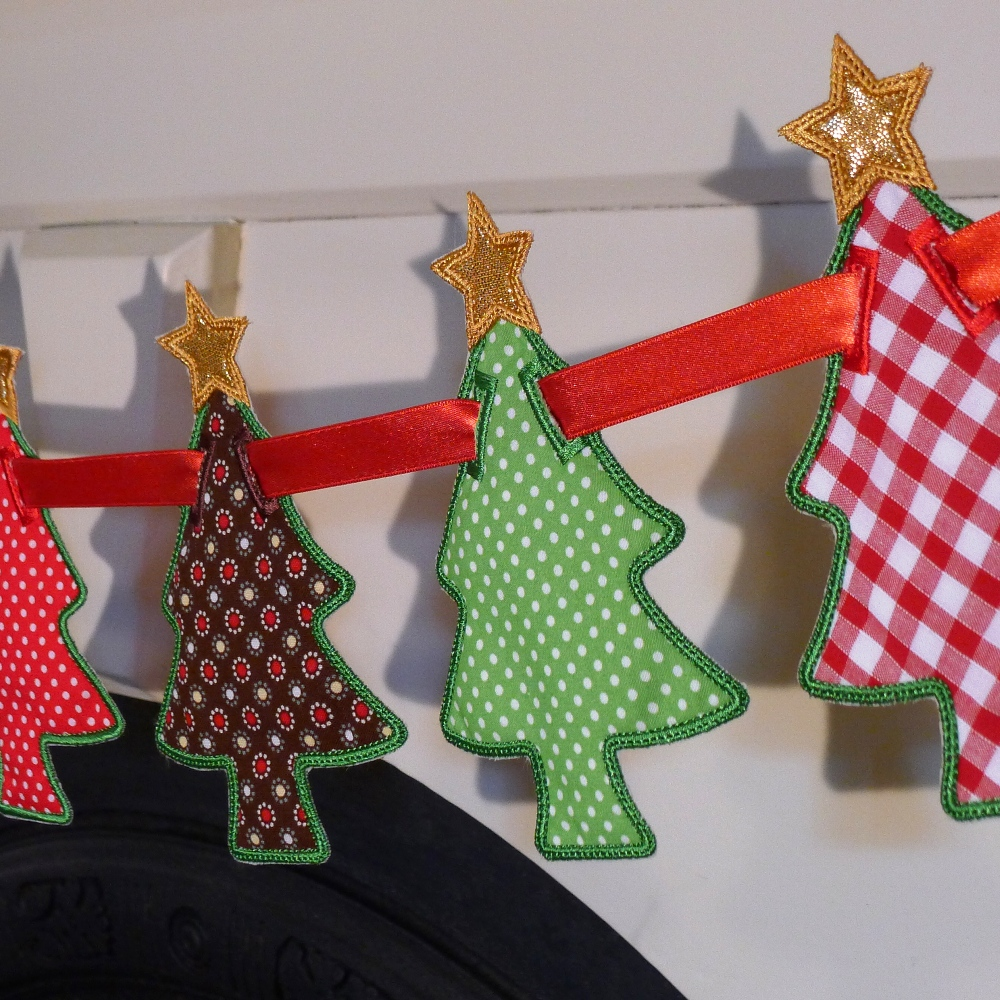 Machine Embroidery Christmas Tree With Bows Design