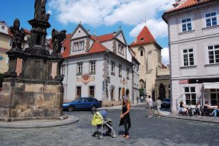 quartier autour de l'église Notre-Dame-de-la-Chaîne Prague