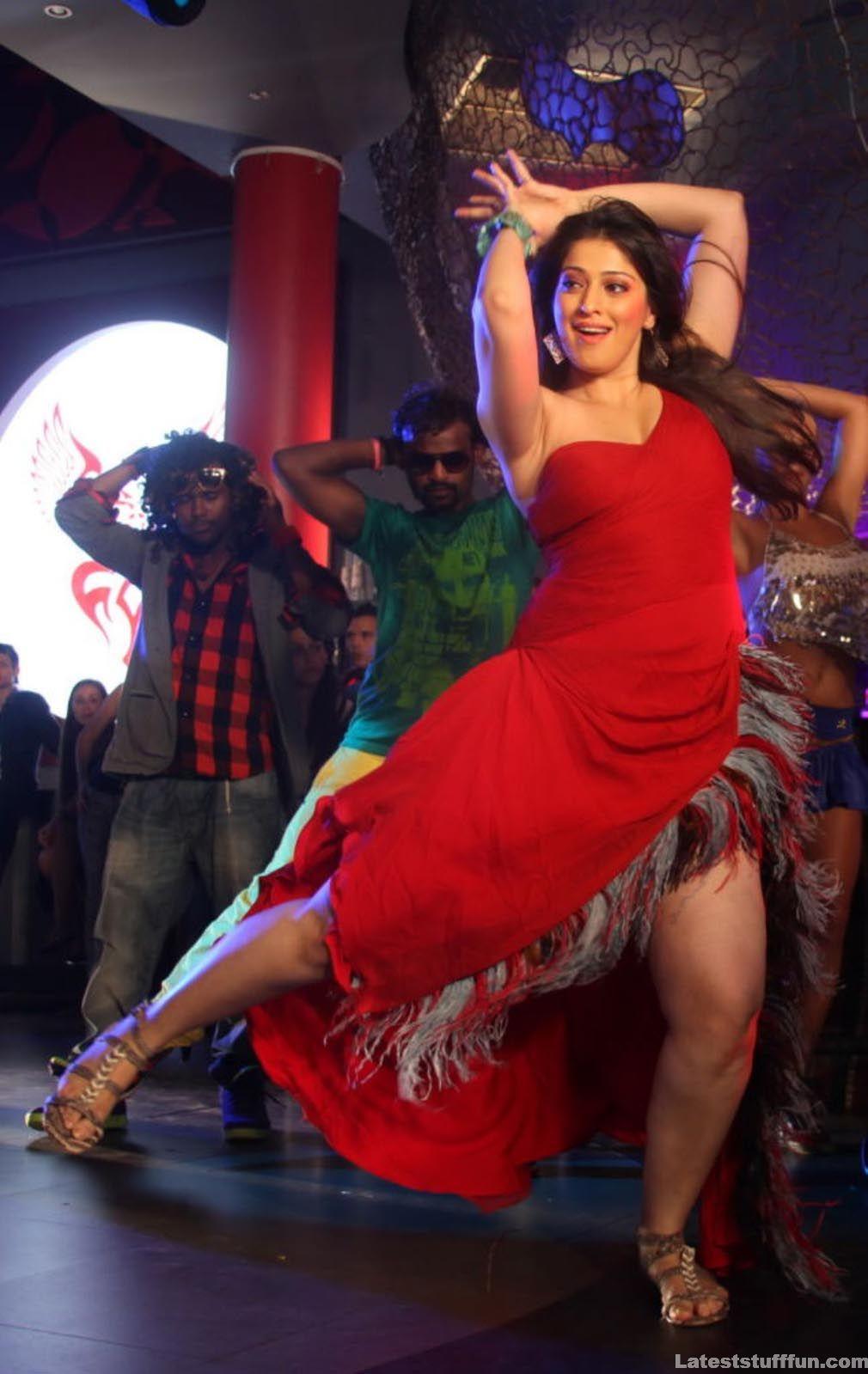 B-Town: Lakshmi Rai Hot Dance Photo GAllery