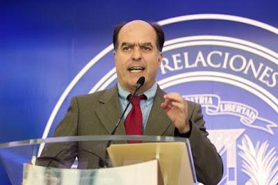 Opositor venezuelano buscará apoio na América Latina para garantir eleição