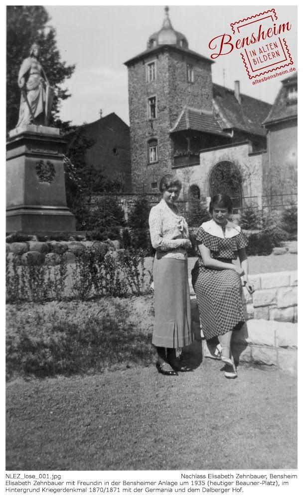 BIAB_NLEZ_001.jpg Dien Anlage, die Germania und der Dalberger Hof in Bensheim um 1935, Elisabeth Zehnbauer mit einer Freundin, Nachlass Elisabeth Zehnbauer, Stoll-Berberich 2016