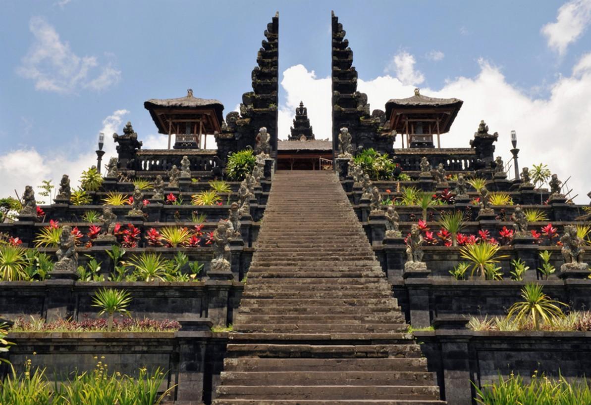 9 Tempat Wisata Terkenal di Pulau Bali ~ Ruana Sagita