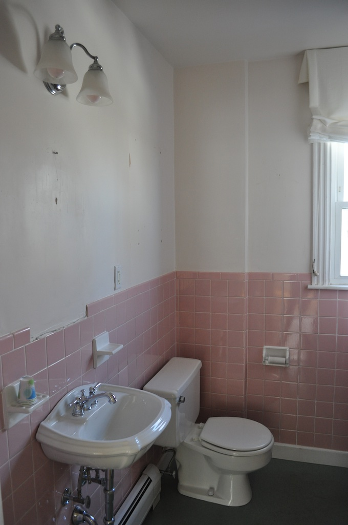 many of you are big fans of mamie eisenhower pink bathrooms click here for more info but truth be told im relieved to see the pink go