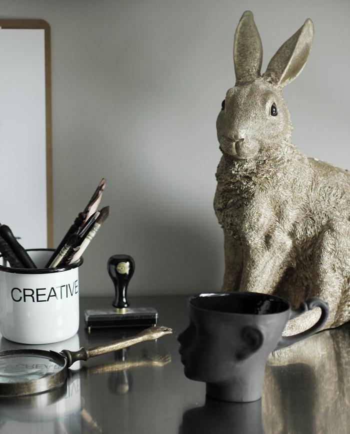 mugg, ansikte, kanin, guld, skrivbord, arbetsrum, hemmakontor, arbetshörna, annelies design, webbutik, webshop, nätbutik, nätbutiker, inredning,