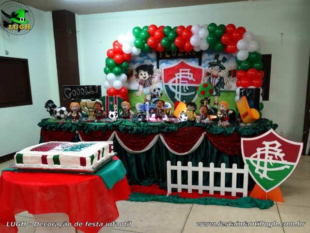 Decoração infantil em mesa tradicional luxo tema Fluminense