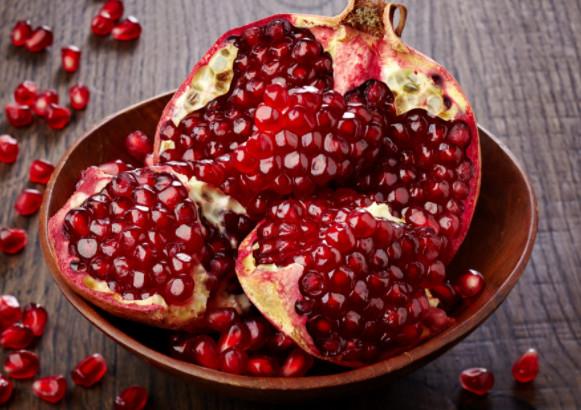 Lựu đỏ chứa nhiều vitamin chống oxy hóa