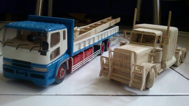 gambar kontainer truk kayu