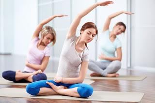 Tập yoga là bí quyết giảm cân an toàn hiệu quả sau sinh