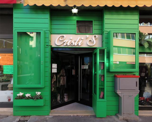 A green shopfront for Cristi'S in Via Di Franco, Livorno