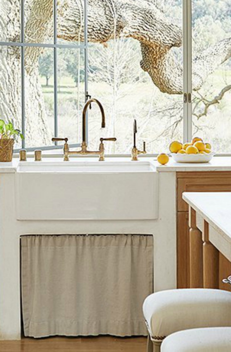 Modern farmhouse kitchen with farm sink - Patina Farm - Giannetti Home - found on Hello Lovely Studio