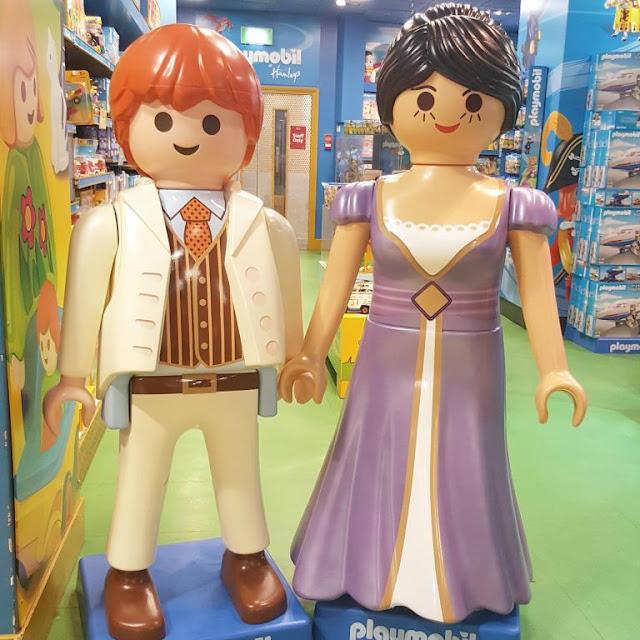 figurines-playmobil-harry-et-meghan-markle