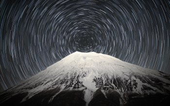 Wallpaper: Sky full of stars above Mount Fuji