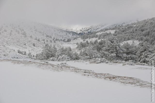 Planes sierra Madrid  nieve ruta circular raquetas