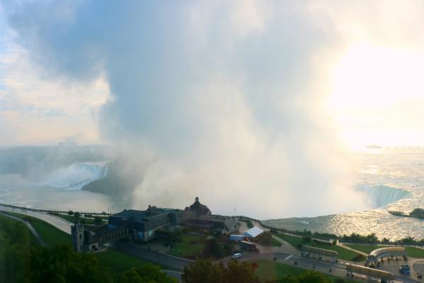 Niagara Falls | Sonnenaufgang über den Niagarafällen