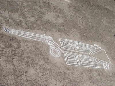 Figura de pelícano en la Línea de Nazca