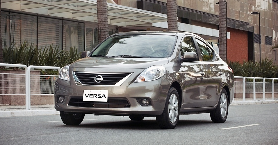 car in Nissan Versa 2014