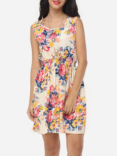 http://www.fashionmia.com/Products/assorted-colors-floral-printed-awesome-courtly-round-neck-skater-dress-153818.html