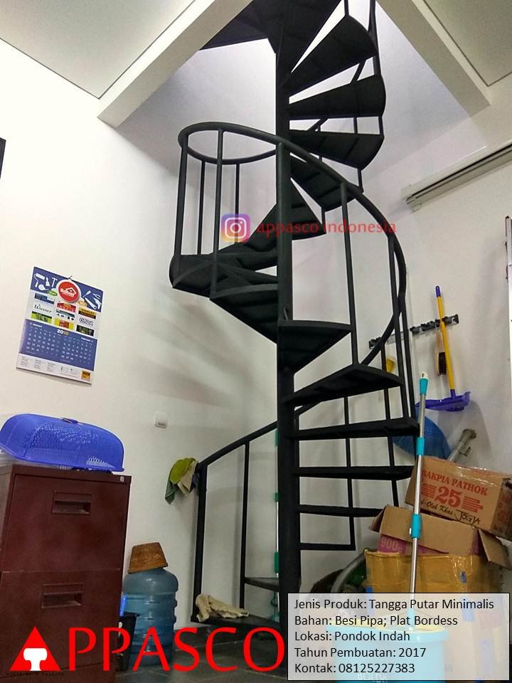 Tangga Putar Minimalis Plat Bordess Besi Pipa di Pondonk Indah