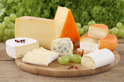 Chevre, Ricotta, Cheddar, Brie, Colby, Muenster, Swiss