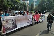 Puluhan Massa dan Ormas Geruduk Kantor LBH Jakarta